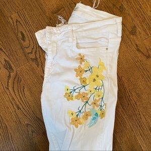 Zara white jeans with embroidery